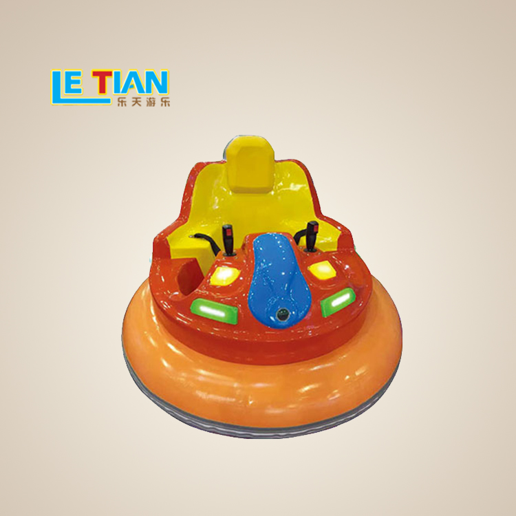 The kids bumper car is easy to operate and can be used by both adults and children. It is an indispensable amusement program in amusement parks.